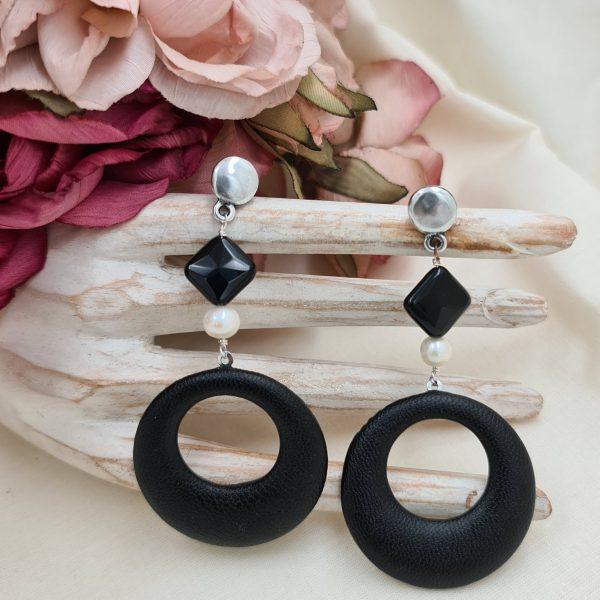 Tutti i nostri anelli sono di misura regolabile